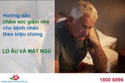 Huong-dan-cham-soc-giam-nhe-cho-benh-nhan-theo-cac-trieu-chung-lo-au-mat-ngu